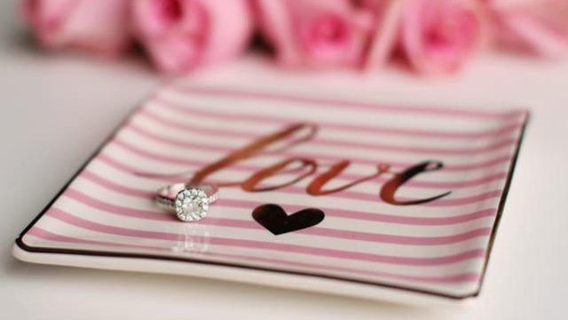 セミプロポーズの指輪